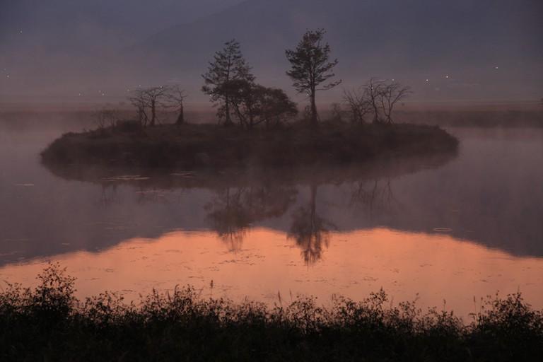 Dawn at Dongjeong Lake, Hadong County | © James Lee / Flickr