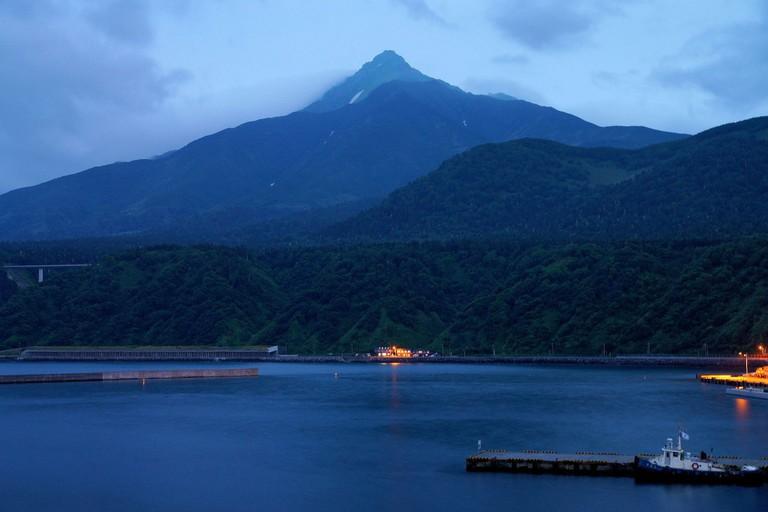 Mount Rishiri view from Oshidomari Port in Rishiri Island, Hokkaido, Japan.  ©663highland / Wikimedia Commons
