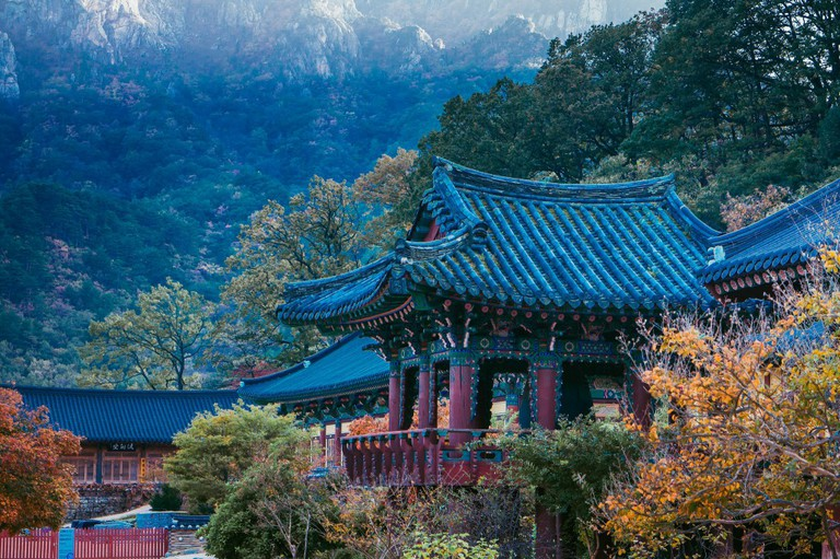 Sinheungsa in Seoraksan National Park | © Eirien / Flickr