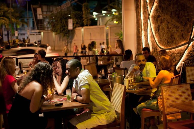 Leviano Bar |© Lapa La na/Flickr