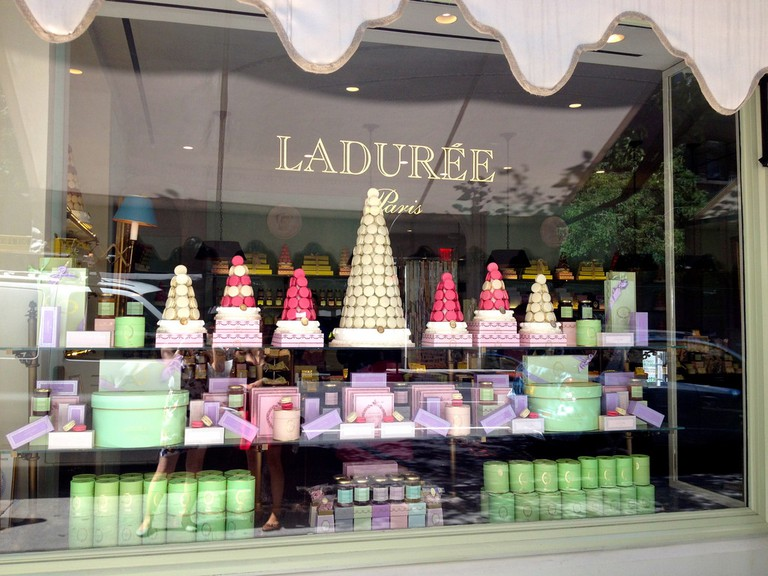 Ladurée is an institution for sweet things all over France | © Juliana Su / Flickr
