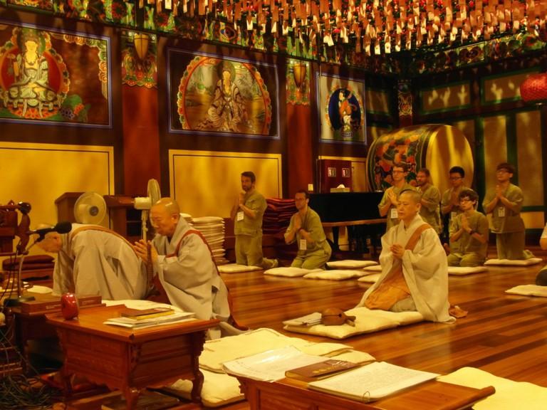 Templestay program at Myogaksa Temple, Seoul | © Graham Well / Flickr