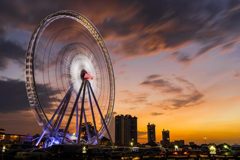 Asiatique Ferris wheel | © tapanuth/Shutterstock