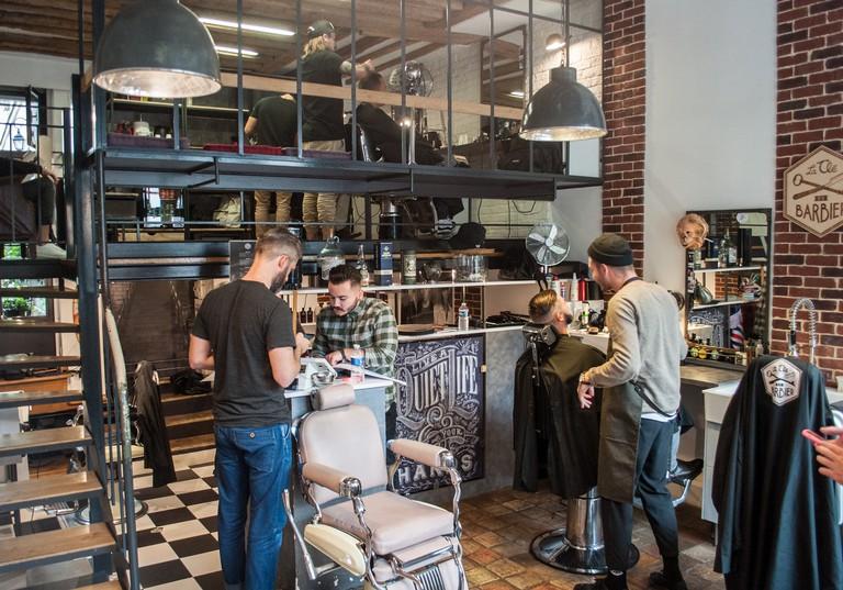 Barbers at work │ Courtesy of La Clé du Barbier