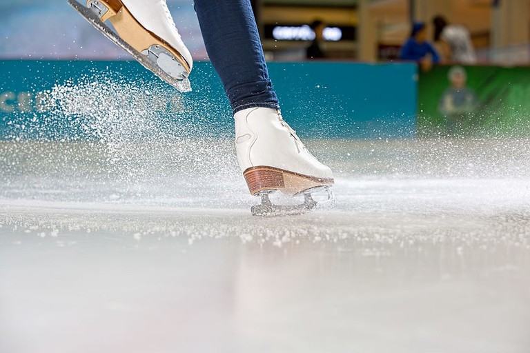 Skates on the Dubai Ice Rink |© EmaarEntertainment / Wikimedia