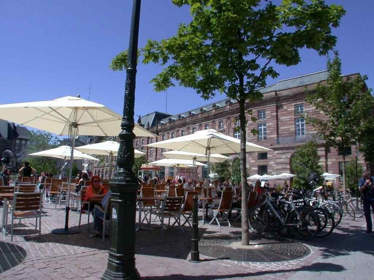 The terrace of Brasserie Kohler-Rhem on Place Kléber ©OT Strasbourg