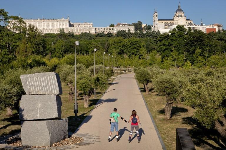 Rollerblade or bike Madrid Río | © Madrid Destino Cultura Turismo y Negocio
