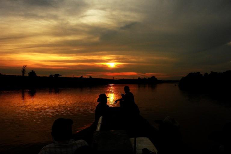 Amazon sunset   © oscarwcastillo/pixabay