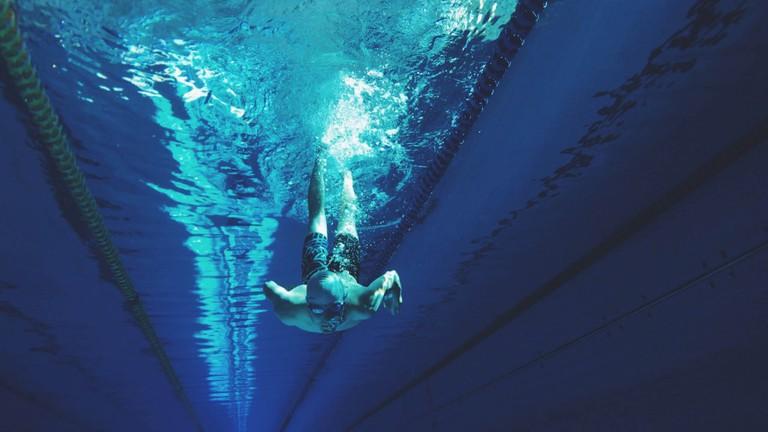 Swimmer |© Artem Verbo / unsplash