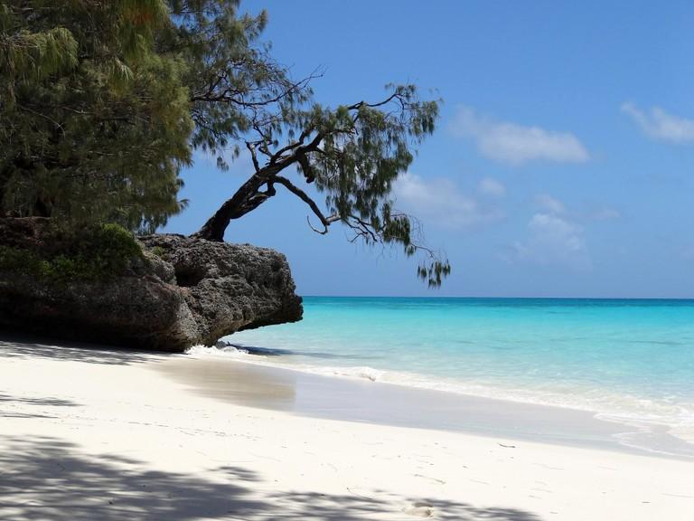 Ouvea, New Caledonia   © Thomas Ballandras / Flickr