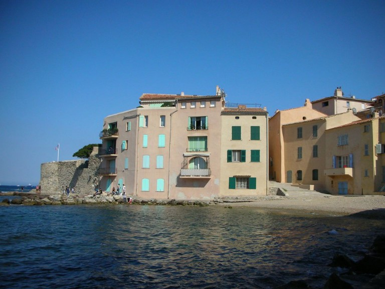 The Tour du Portalet was one of four towers to protect St Tropez | © Lluís Garcia/Flickr