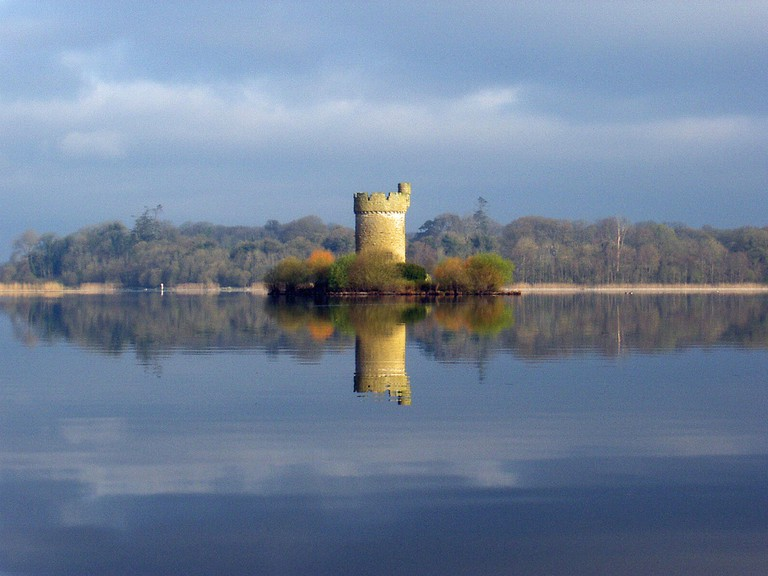 Crichtons Tower on Lough Erne | © neiltoo/ Flickr