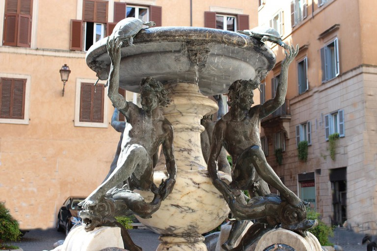 Piazza Mattei | © Flickr/rjhuttondfw https://www.flickr.com/photos/rjhuttondfw/19585668239/in/photolist-21QFT-8Fw8g2-8FzmzG-8nBc8Q-7vfcii-7GroU5-oq2fH8-4JTHqi-o6LRG9-4JTDPB-o6LE3j-4JY1Vd-4JTXse-o6LBBN-o6LDyJ-4JTKun-79yEcv-nVoH1-8FwcQa-4JYbiE-4JXYD5-4JXVhf-tgtiw-6Jsv5E-8FzHYf-8Fzwr5-8jJ7ei-4JTGfp-5vyx3H-4JY32U-YFipq-tgt5a-nfC58N-6Jsv5A-8jJ77R-ng3Tmr-6Jsv5o-6gJG8t-6Jsv5d-5wkafQ-6Jsv59-nhEUxD-P4ZDHH-vQHEPa