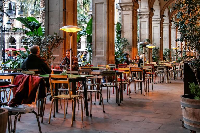 A terrace in the Plaça Reial © Jorge Franganillo
