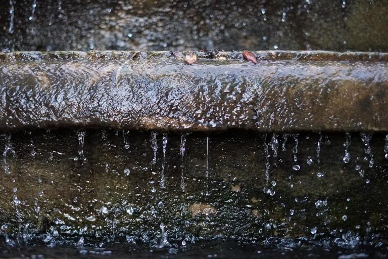 Detail of a fountain at the Grec garden © mingusmutter