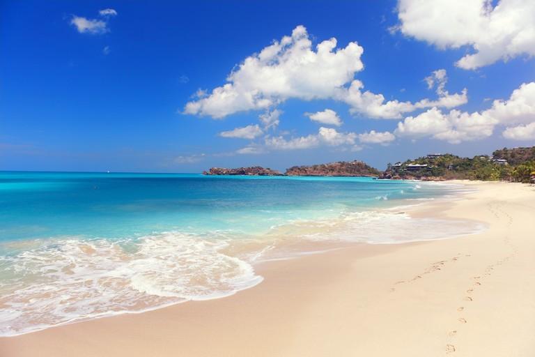 Foot prints on a beautiful beach, Antigua |© Henrik Winther Andersen/Flickr