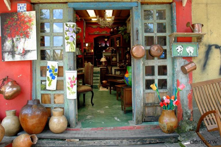 Crafts store at Embu das Artes São Paulo © Dennis Ramos/Flickr