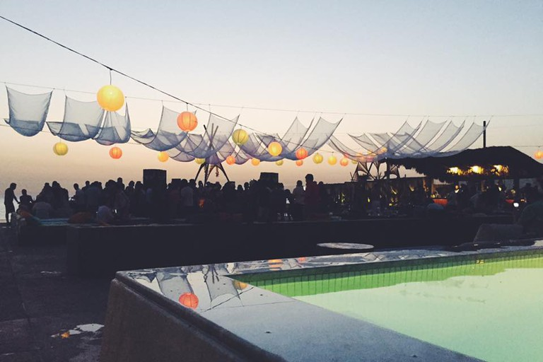 Iris Beach Club |© Israa Hamze