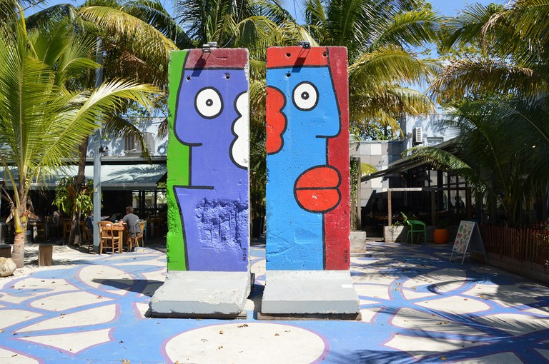Thierry Noir, untitled paintings on two segments of the Berlin Wall; Photo Credit | ©Lisa Morales