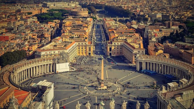 Piazza San Pietro | © pixabay https://pixabay.com/it/roma-il-vaticano-italia-1945033/