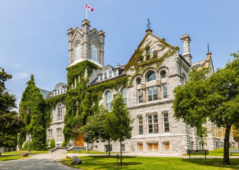Theological Hall Building at Queen's University | © Elena Elisseeva / Shutterstock