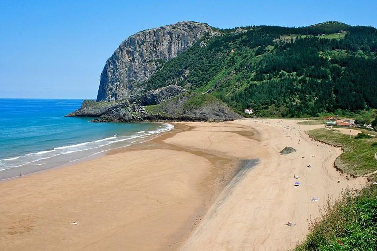 Playa de Laga, Spain | ©Beltxo84 / Wikimedia Commons