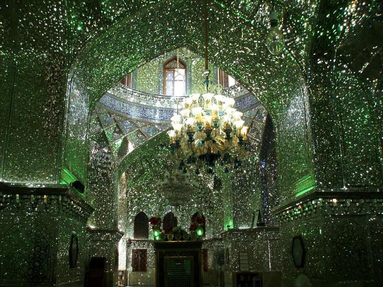 The inside of Shah Cheragh has mirror work instead of mosaics | © DAVID HOLT / Flickr