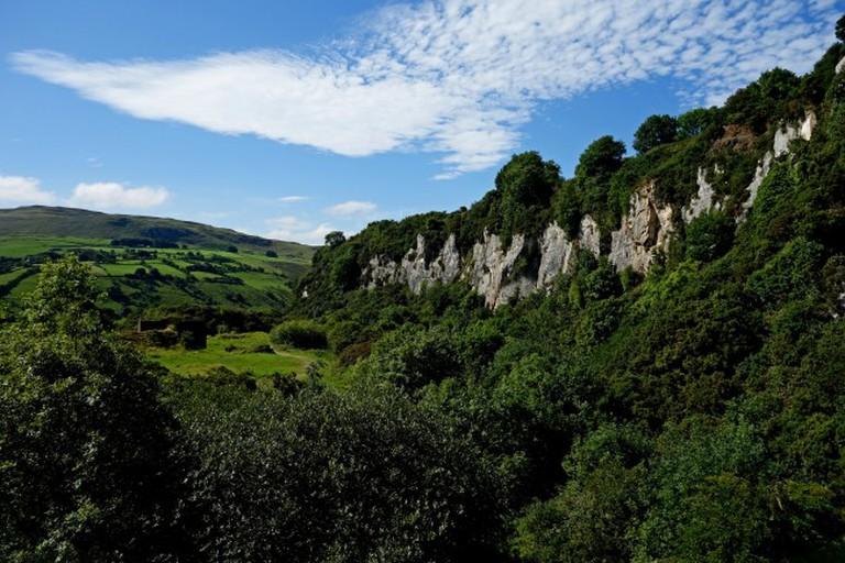Limestone Cliffs at the Antrim Plateau | © Philip McErlean/ Flickr
