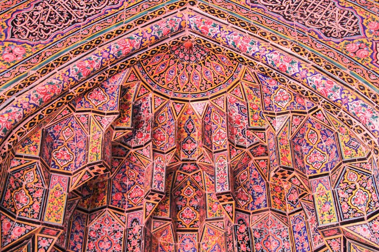 Nasir ol-Molk is known as the Pink Mosque for its rose-colored tiles | © Matt Biddulph / Flickr