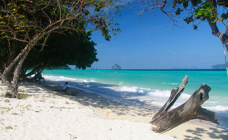 Clear Water on Koh Kradan Beach | © Alessandro Caproni/flickr