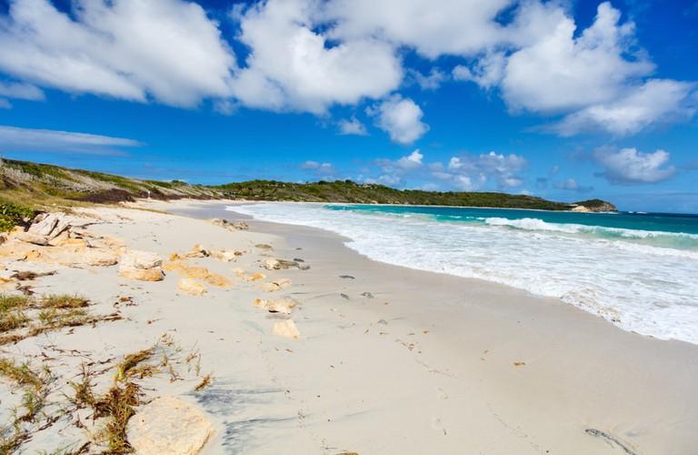 Half Moon Bay, Antigua | © BlueOrange Studio/Shutterstock