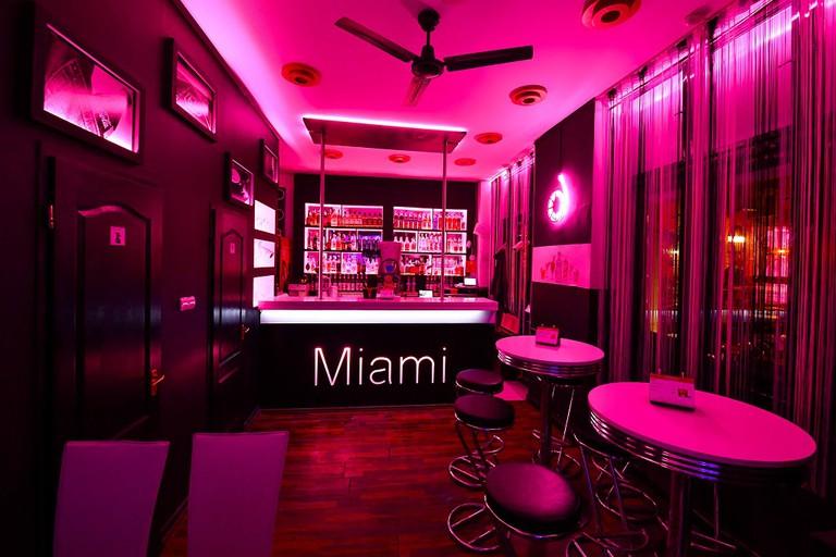 Miami cocktail bar Debrecen