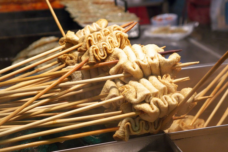 Street Food - odeng/oemuk (fishcake) | © travel oriented/Flickr