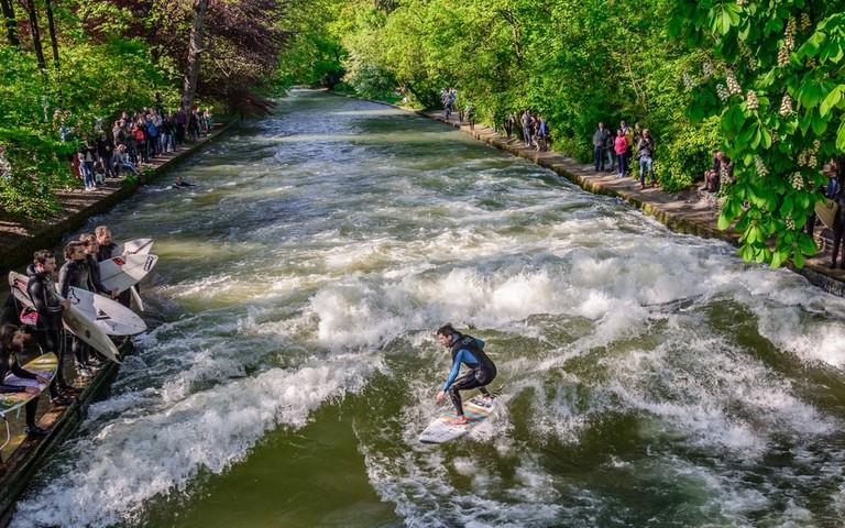 Mid-City Surfing in Munich | © Andrey Shcherbukhin/Shutterstock