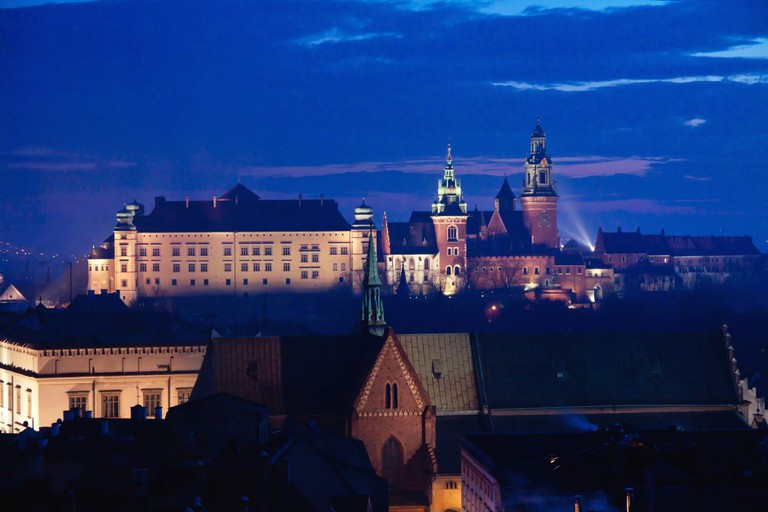 Wawel hill with castle in Krakow at night | © Pawel Pacholec/Flickr