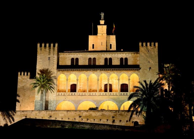 La Almudaina Royal Palace @ Random_fotos / Flickr