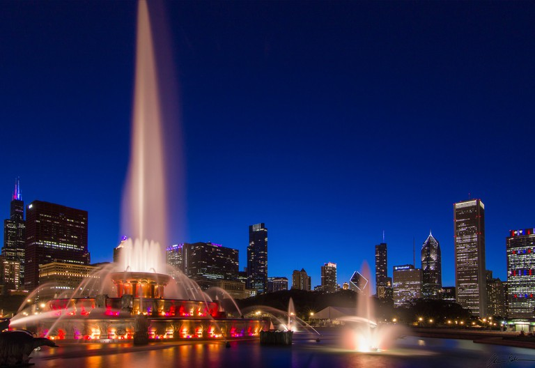 Buckingham Fountain's spectacular water and light show