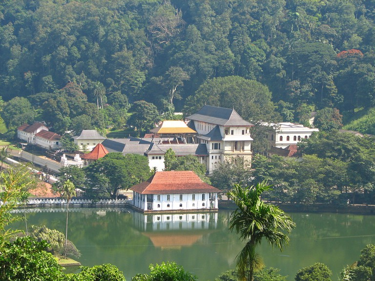 Temple of the Tooth, Kandy | © McKay Savage / Flickr