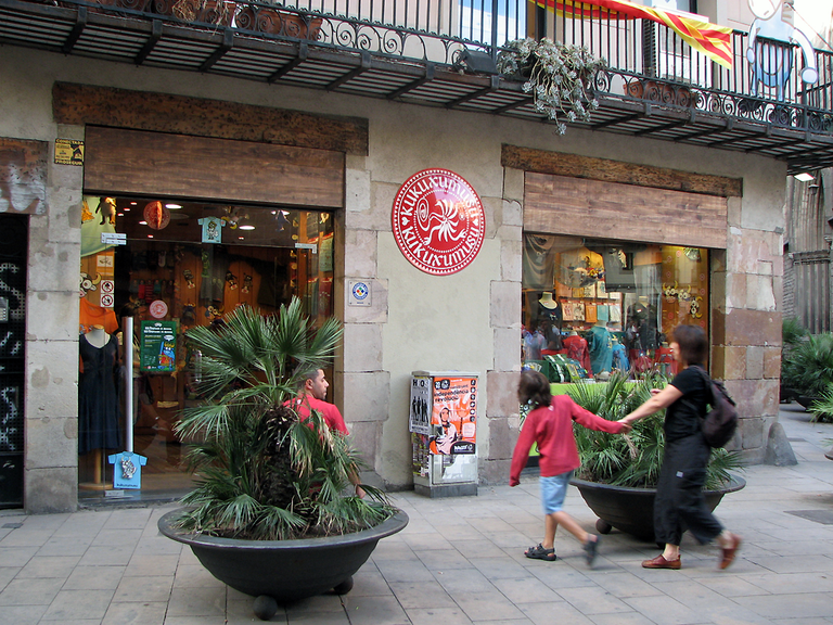 A Kukuxumusu shop in Barcelona