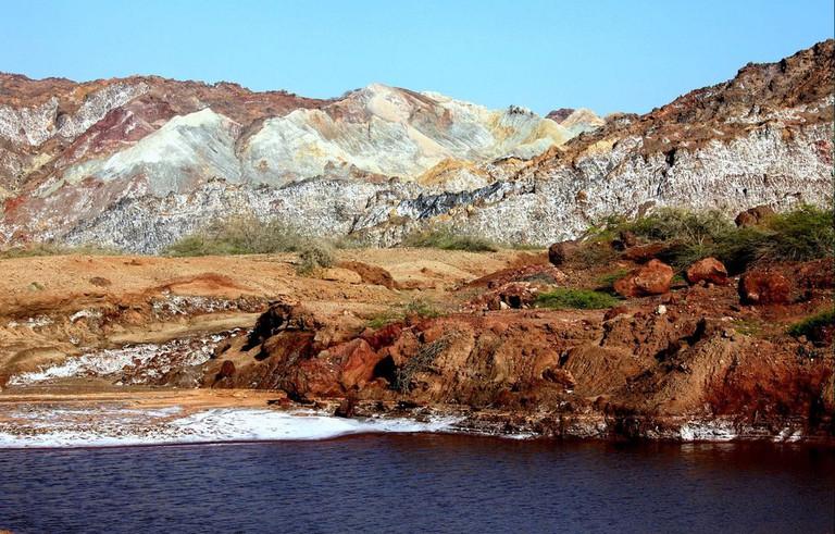 The colorful Hormoz Island | © Ninara / Flickr