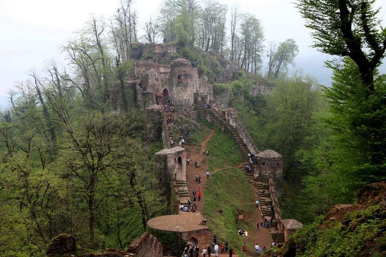 Rudkhan Castle has 1,000 steps | © Ninara / Flickr