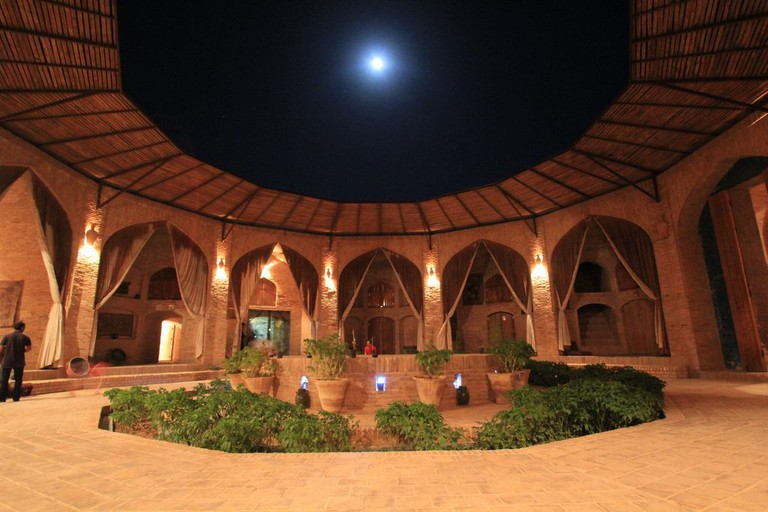 Zeinodin Caravanserai offers an unforgettable experience | © reibai / Flickr