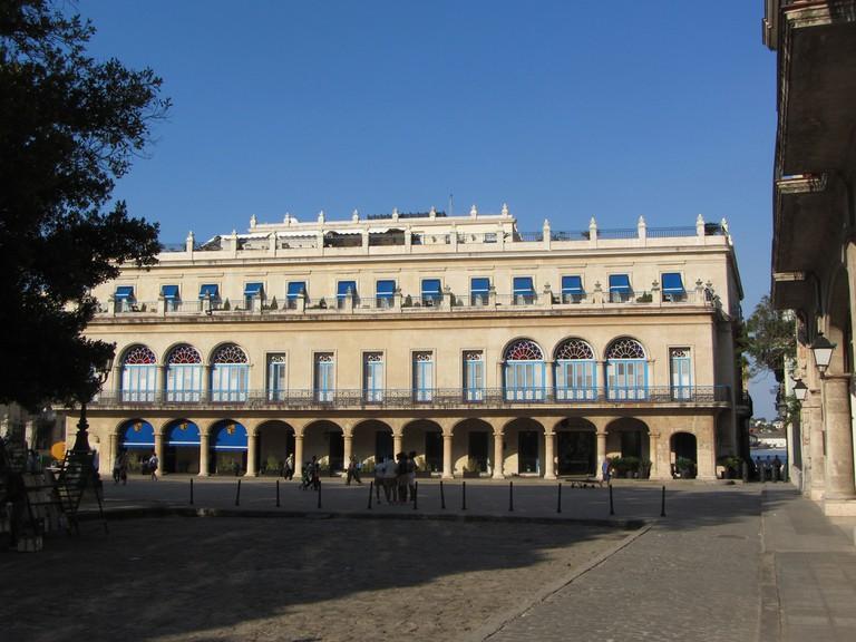Plaza de Armas, Hotel Santa Isabel