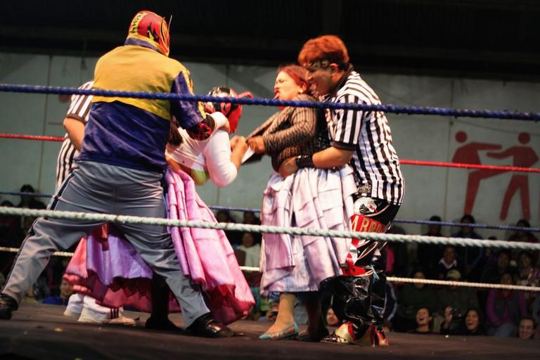 Cholita Wrestling | © Jonathan Hood/Flickr