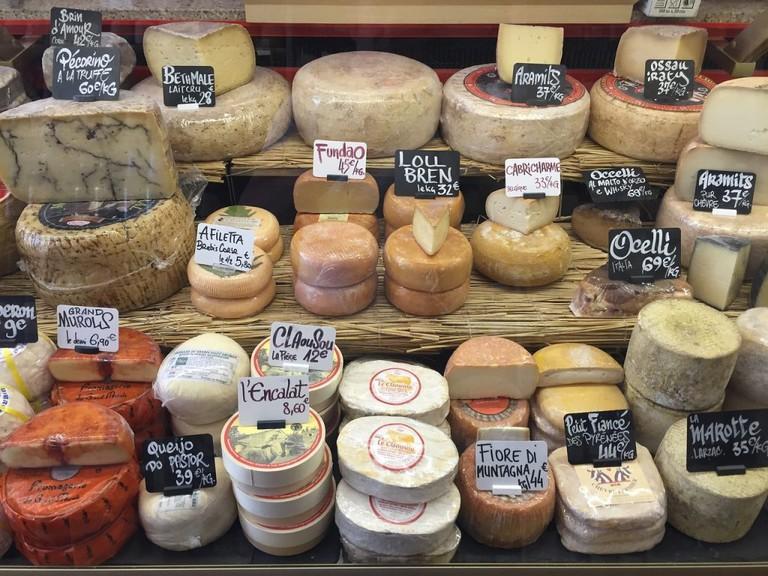 Cheese stall | ©QMETHODS / Pixabay