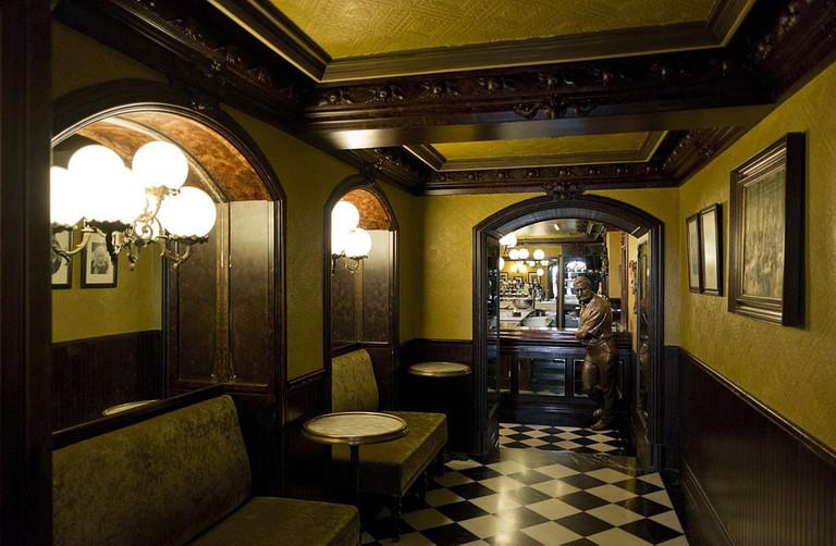 Café Iruña Pamplona | ©Szallasz / Wikimedia Commons