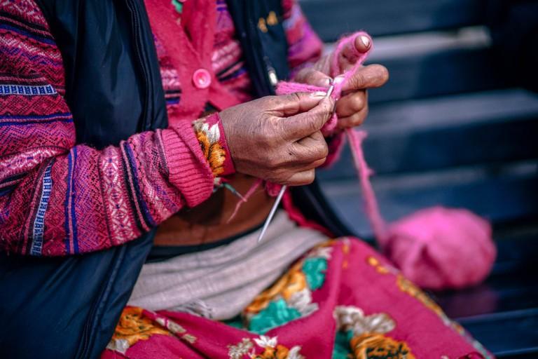 Weaving Alpaca | © 312591/pexels