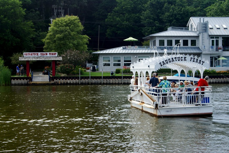 Saugatuck Chain Ferry | © ClatieK/Flickr