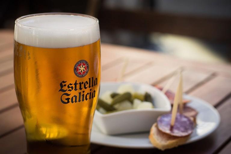 Estrella Galicia, Vigo | ©Metukkalihis / Wikimedia Commons