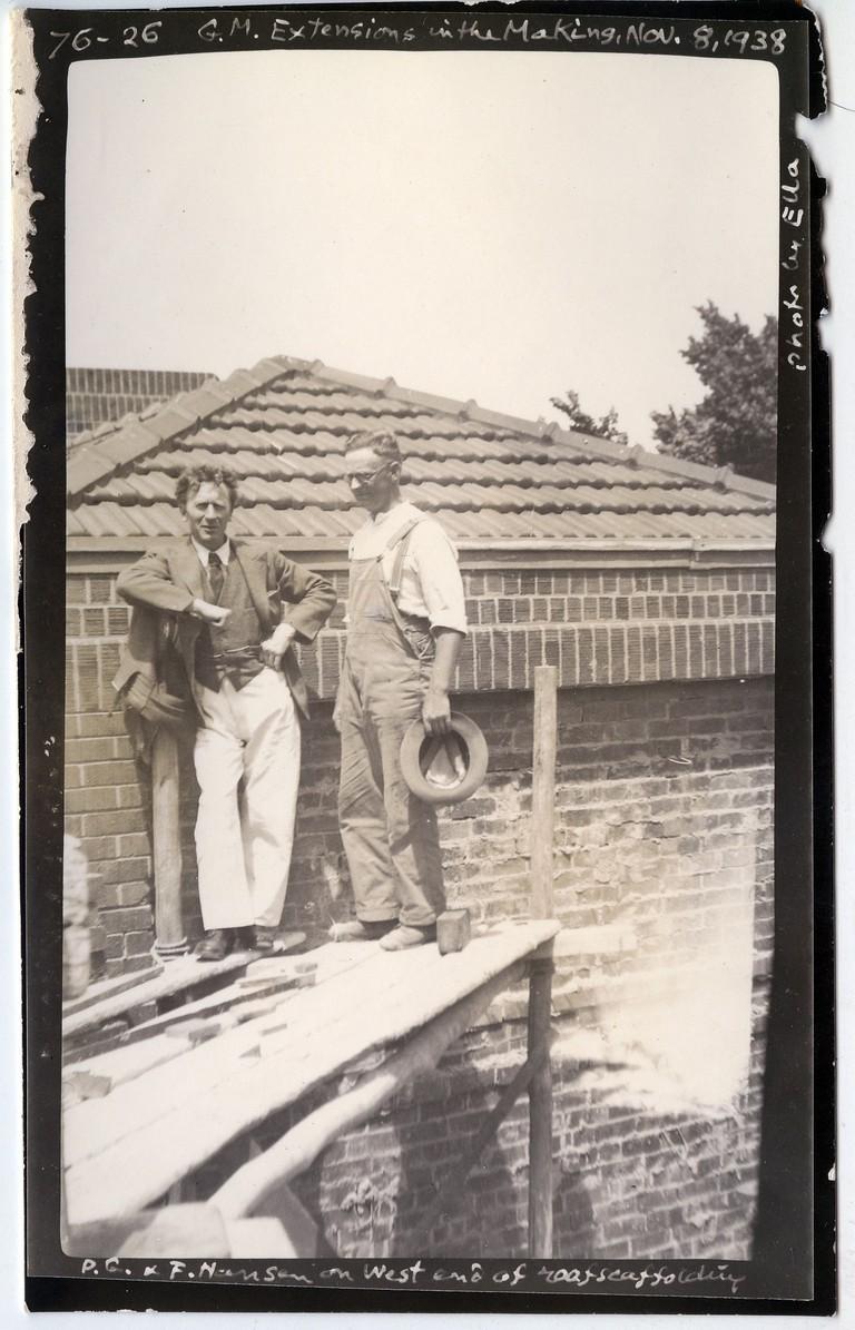 Grainger Museum under construction)Percy Grainger and F Hansenon museum scaffolding. Credit:Ella Grainger with Percy Grainger annotations, 1938